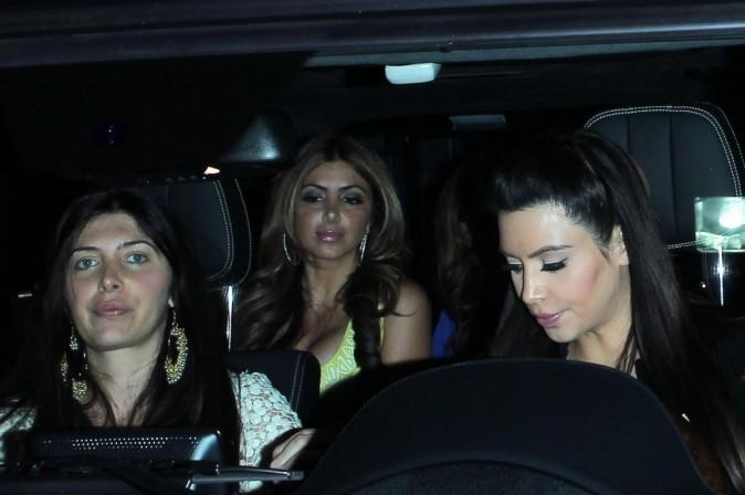 Kim Kardashian et des amies à Beverly Hills, le 17 avril 2013.