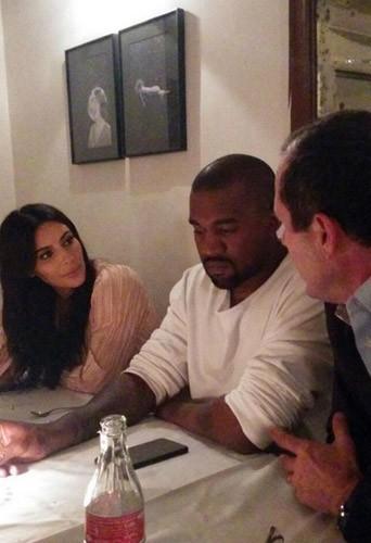 Photos : Kim Kardashian coupée sur toutes ses photos à Jérusalem !