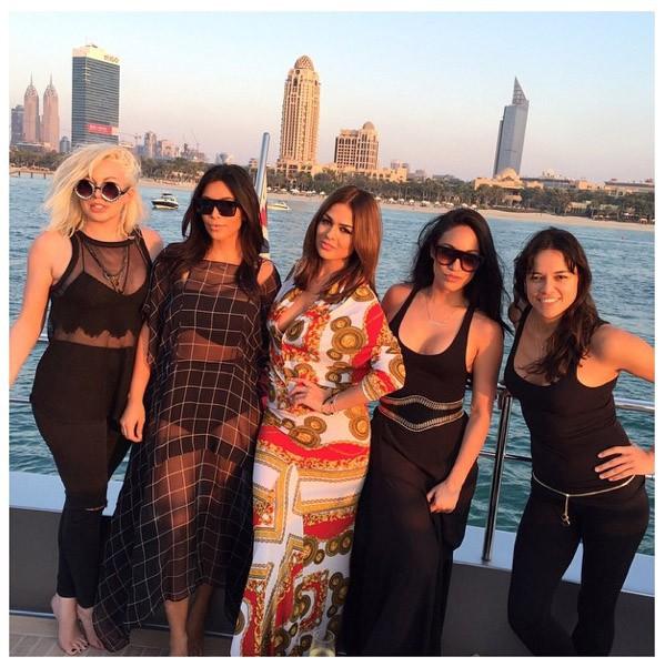 """Avec ses """"girls""""... Et Michelle Rodriguez"""