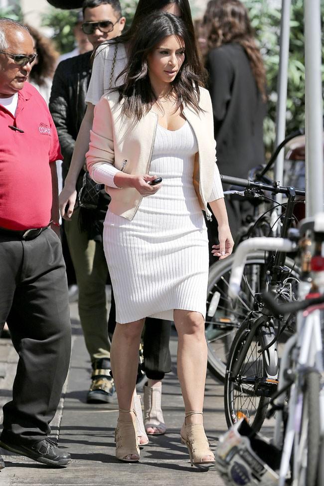 Kim Kardashian et Kendall Jenner à Los Angeles le 15 mars 2014