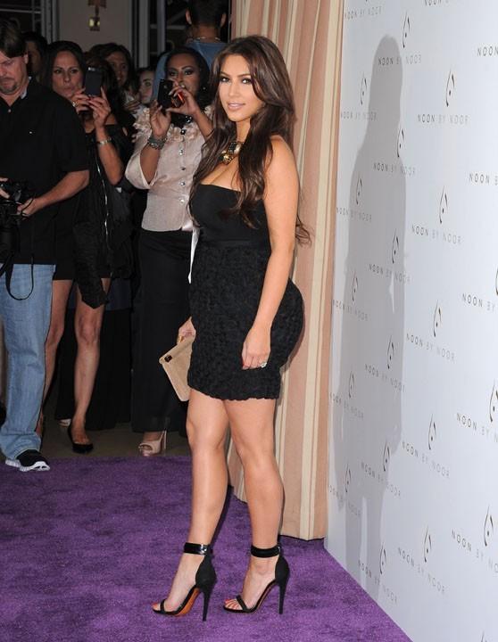 Kim Kardashian adore poser face aux photographes...
