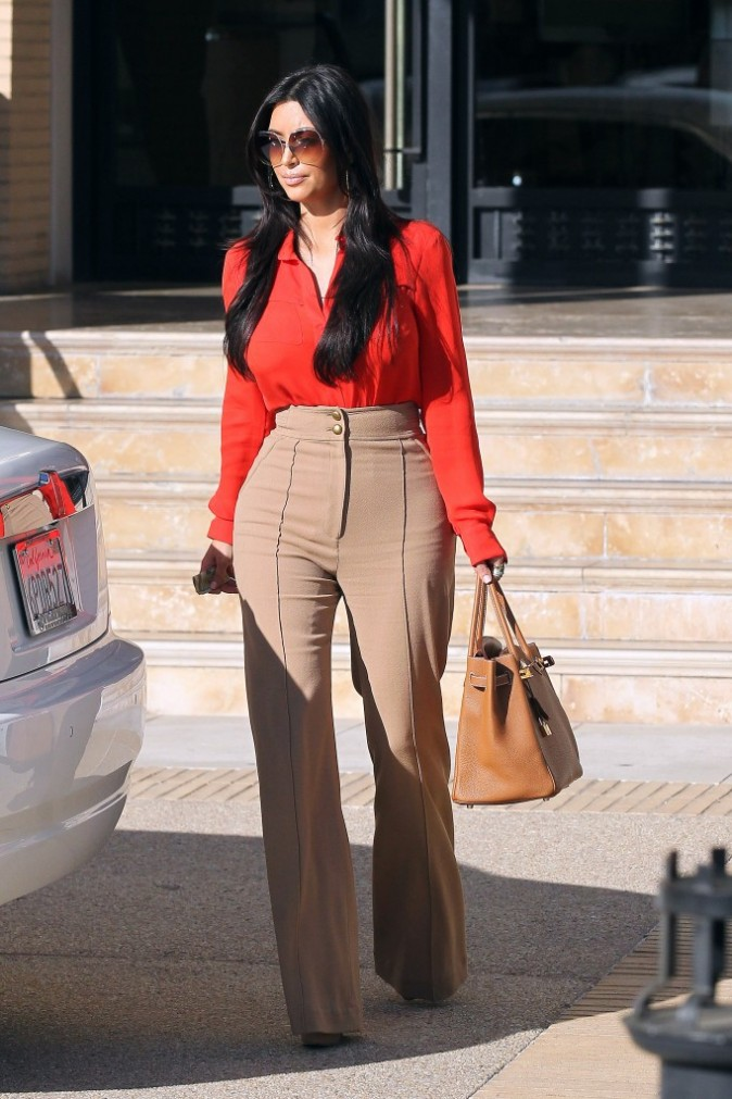Kim Kardashian faisant son shopping à Los Angeles, le 12 janvier 2012.