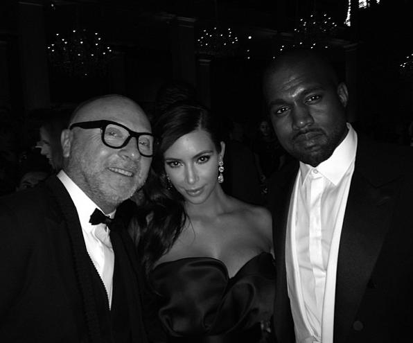 Photos : Kim Kardashian : elle pose avec Anna Wintour, Cara Delevingne, Naomi Campbell... Mais pas de selfie avec Beyoncé !