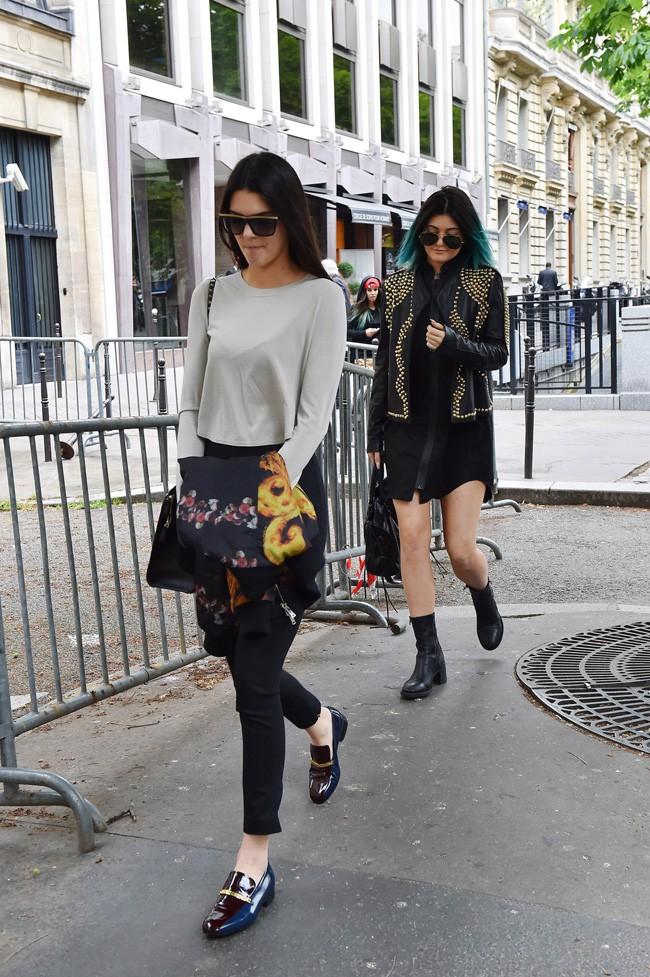 Kendall et Kylie Jenner à Paris le 20 mai 2014