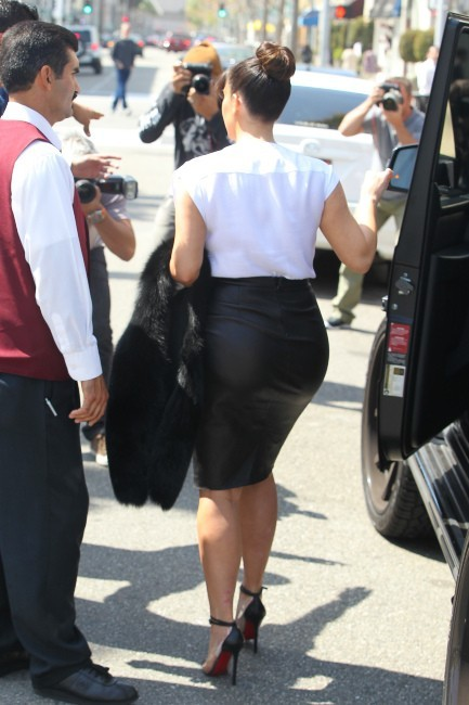 Kim Kardashian se rendant chez Barneys New York à Los Angeles, le 21 mars 2013.