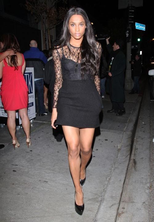 Ciara se rendant au restaurant STK à Los Angeles, le 15 mars 2011.