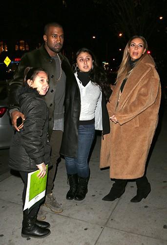 Kim et Kanye, dispos pour leurs jeunes fans après le concert !