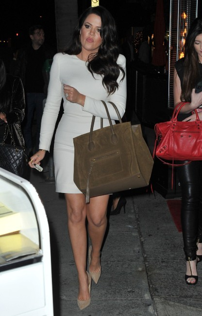 Khloe Kardashian devant le restaurant Crustacean à Beverly Hills, le 21 novembre 2012.