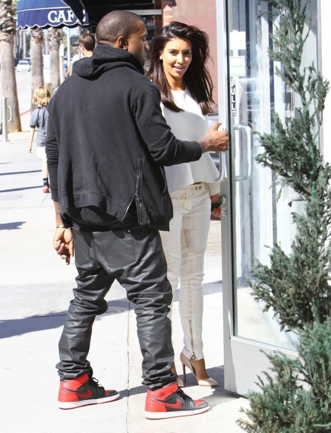 Kim Kardashian et Kanye West se rendent dans un centre de laser à Studio City, le 28 juin 2012.