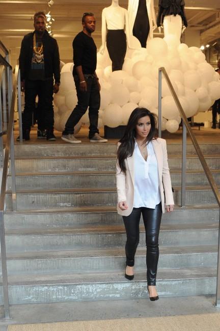 Kim Kardashian et Kanye West ensemble à New York, le 5 avril 2012.