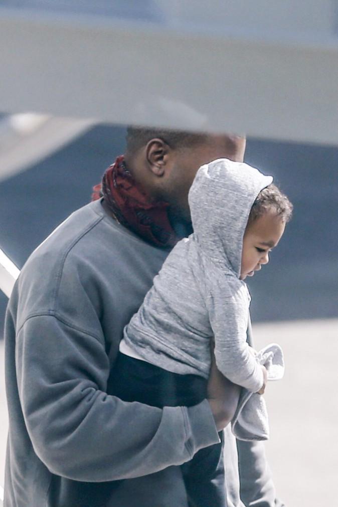 Photos : Kim Kardashian et Kanye West : North, trop craquante dans les bras de son papounet !