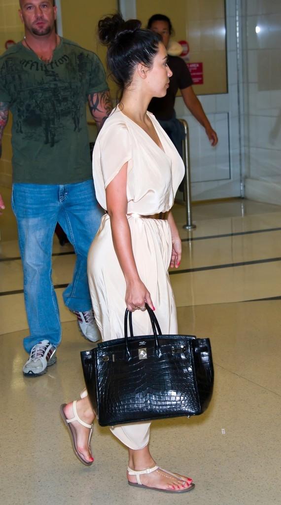 Kim Kardashian à l'aéroport de Philadelphie, le 27 juillet 2012.