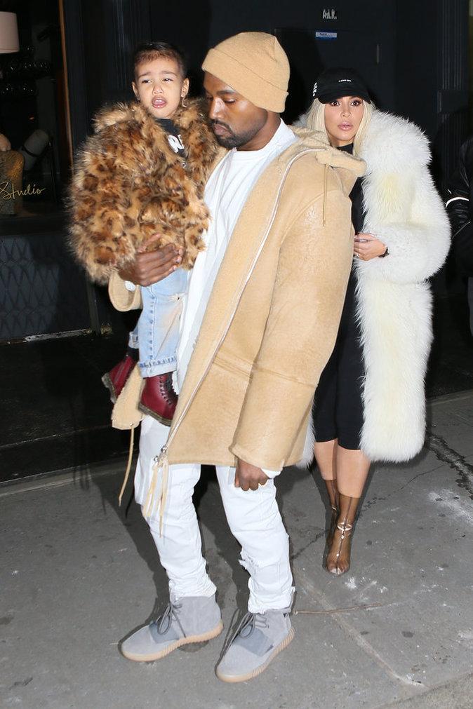 Photos : Kim Kardashian et Kanye West : une Saint-Valentin mouvementée, Marck Zuckerberg appelé à l'aide !