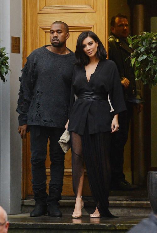 Photos : Kim Kardashian : fière de son Kanye, elle affronte le froid en petite tenue !