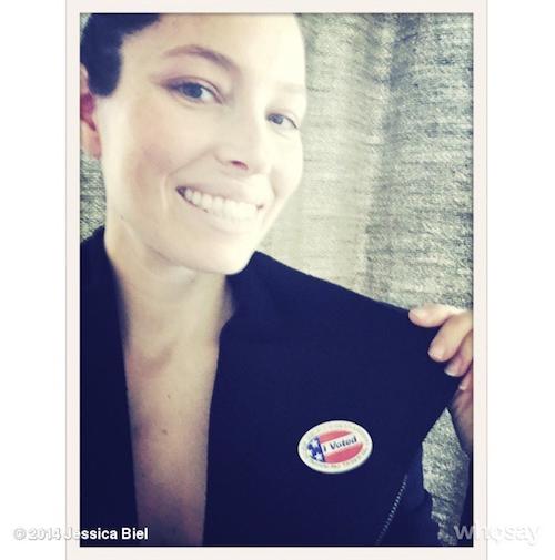 Jessica Biel vote pour les élections de mi-mandat de novembre 2014 aux Etats-Unis
