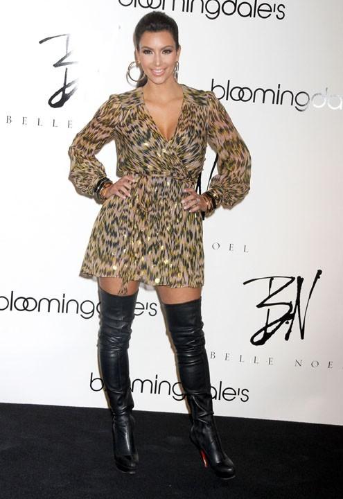 Attention les yeux, Kim Kardashian nous propose du lourd !
