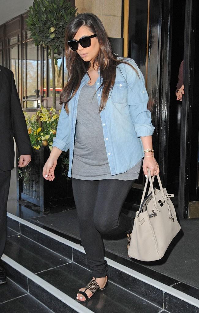 Kim Kardashian à la sortie de son hôtel à Londres le 2 mai 2013