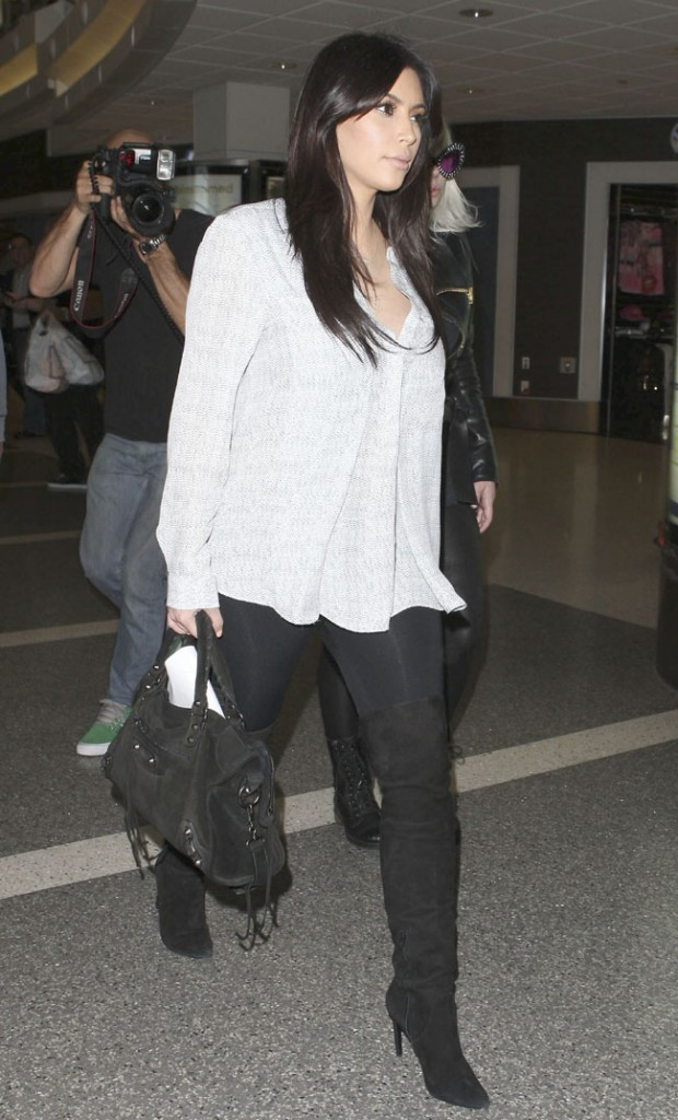 Kim Kardashian à l'aéroport de Los Angeles le 15 février 2013