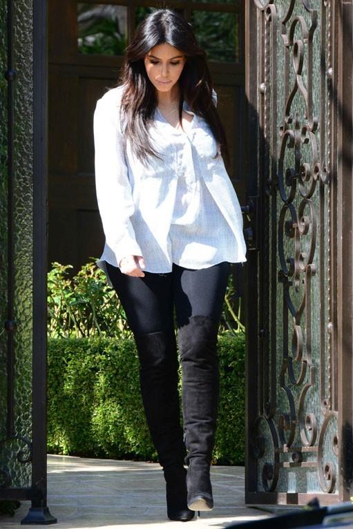 Photos kim kardashian la globe trotteuse repart en for Maison de la famille kardashian
