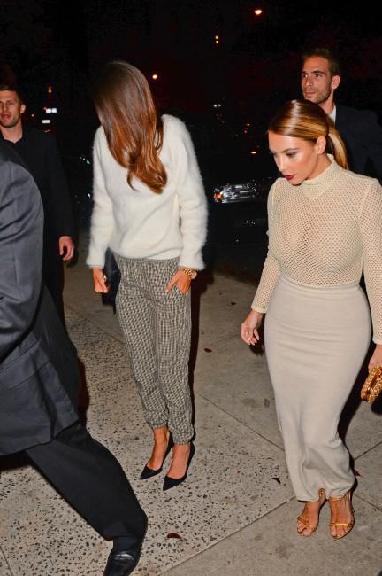 Kim Kardashian et Kendall Jenner à New York, le 18 novembre 2013.