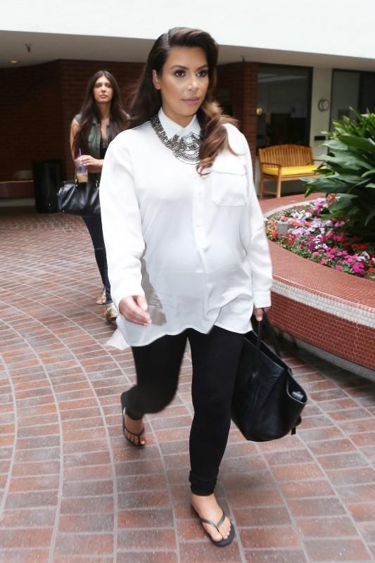 Kim Kardashian se rend chez le médecin à Beverly Hills, le 6 juin 2013.