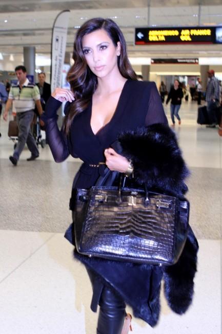 Kim Kardashian à l'aéroport de Miami, le 17 octobre 2012.