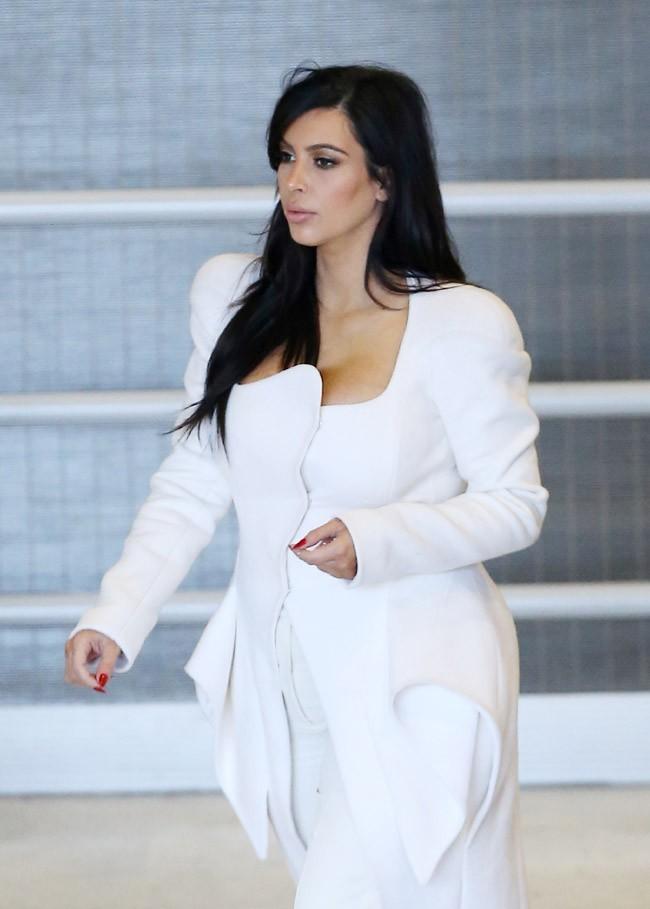 Kim Kardashian à son arrivée à Paris le 3 mars 2013