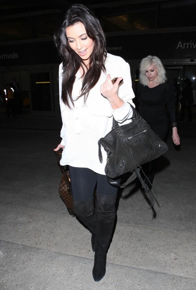 Kim Kardashian à l'aéroport de Los Angeles le 18 février 2013