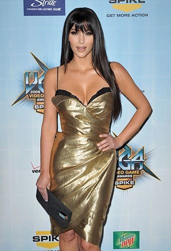 C'est une autre Kim en 2008 sur le tapis rouge !