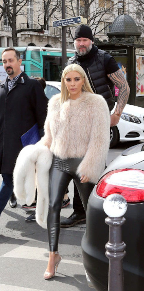 Photos : Kim Kardashian : plus blonde et sexy que jamais pour rivaliser avec Madonna !