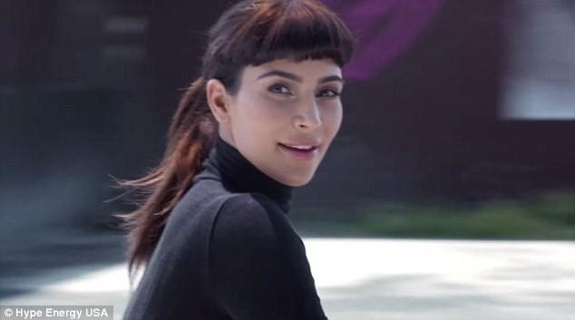 Kim Kardashian pour Hype Energy USA