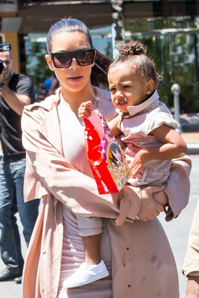 Photos : Kim Kardashian : quand North West mange des pop-corn, maman prend cher !