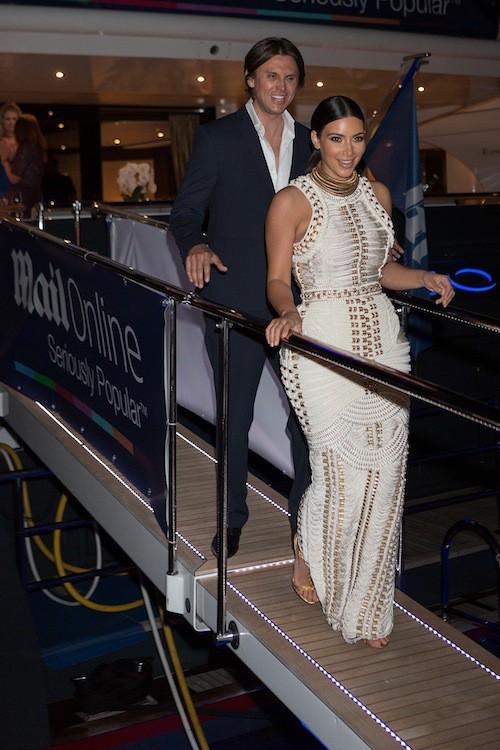 """Photos : Kim Kardashian : renversante à Cannes, elle retrouve Kanye West et se sent """"encore en lune de miel""""!"""