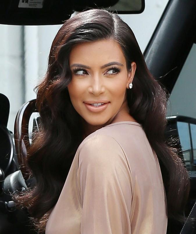 Photos : Kim Kardashian : la it girl qui fait craquer ses demi-frères met le paquet pour un shooting à L.A !