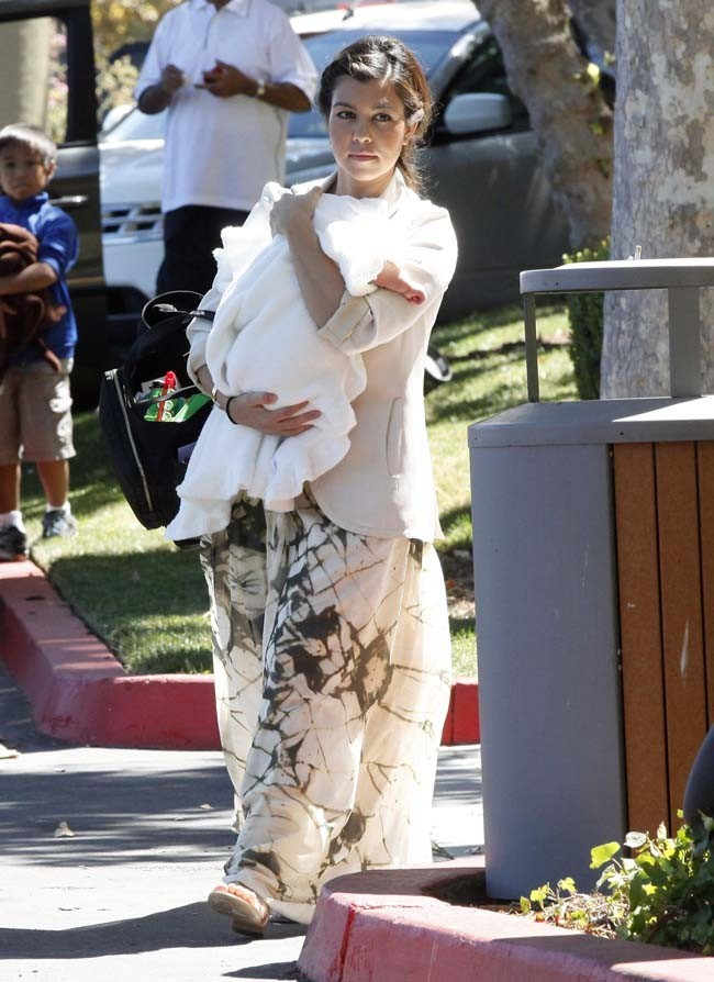 Kourtney Kardashian et Penelope le 26 août 2012 à Thousand Oaks en Californie