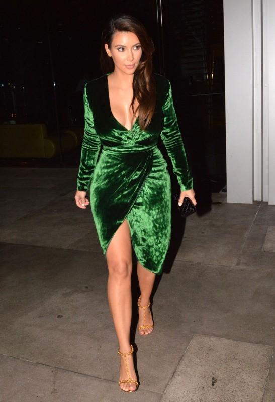 Kim Kardashian se rendant au restaurant BOA Steakhouse à West Hollywood, le 25 septembre 2012.