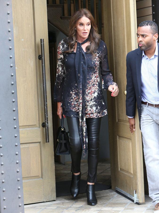 """Photos : Kim Kardashian : une """"p***** de baleine"""" à l'anniversaire de Caitlyn Jenner !"""