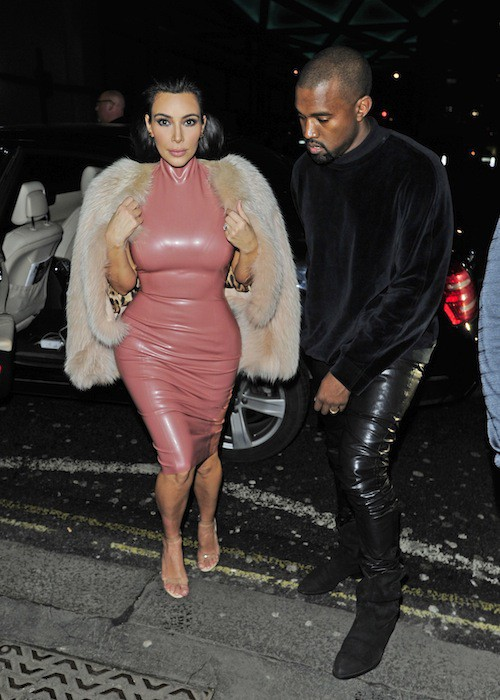 Photos : Kim Kardashian vs Rita Ora : même soirée, même robe… Du latex sinon rien !