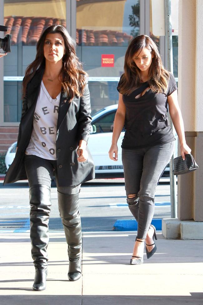 Kim, Kourtney et Khloé Kardashian en tournage à Calabasas le 7 février 2014
