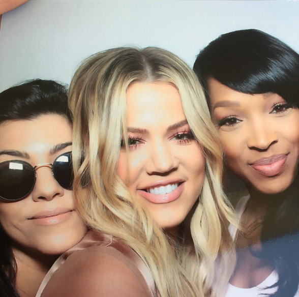 Photos : Kim, Kourtney et Khloe Kardashian mettent le feu à la baby shower de Chrissy Teigen !