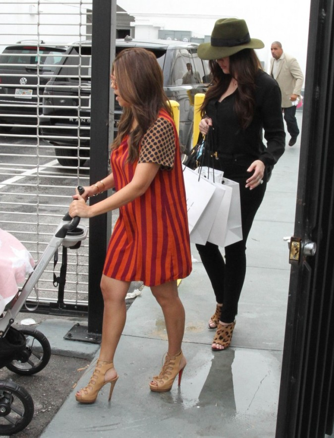 Kourtney et Khloe Kardashian à Miami,  le 16 septembre 2012.