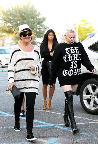 Kim Kardashian, Kris Jenner et Joyce Bonelli à Southampton le 30 juin 2014