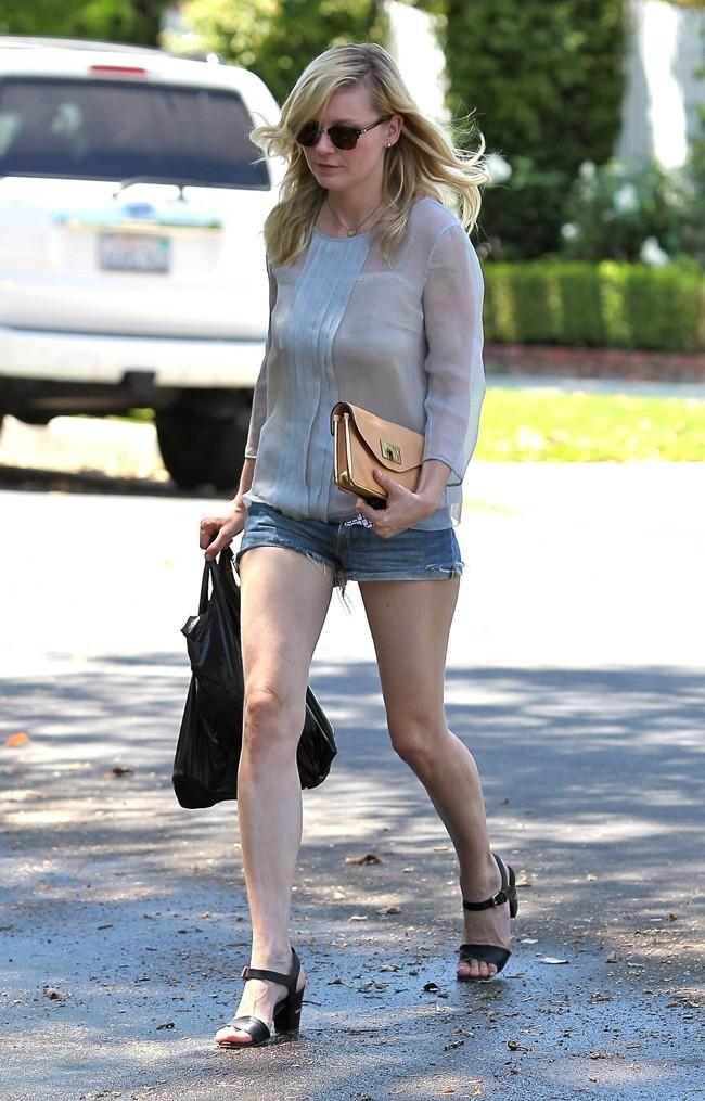 Kirsten Dunst le 17 juillet 2012 à Toluca Lake