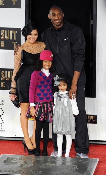 Accompagné  de sa femme Vanessa et de leurs filles Natalia Diamante et Gianna Maria-Onore