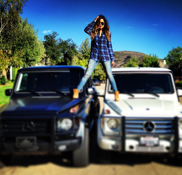 Khlo alexandra kardashian ridingirls for Mercedes benz kardashian
