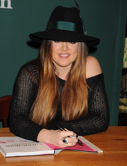 Vous aimez le chapeau de Khloé ?