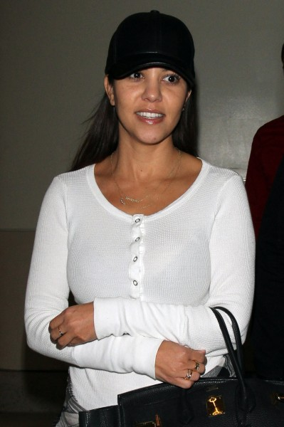 Kourtney Kardashian à l'aéroport de LAX, le 30 octobre 2013.