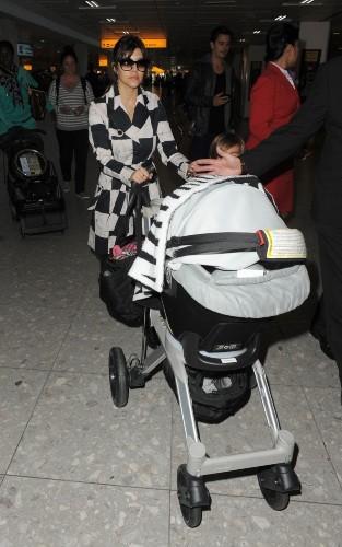Kourtney Kardashian débarque à Londres!