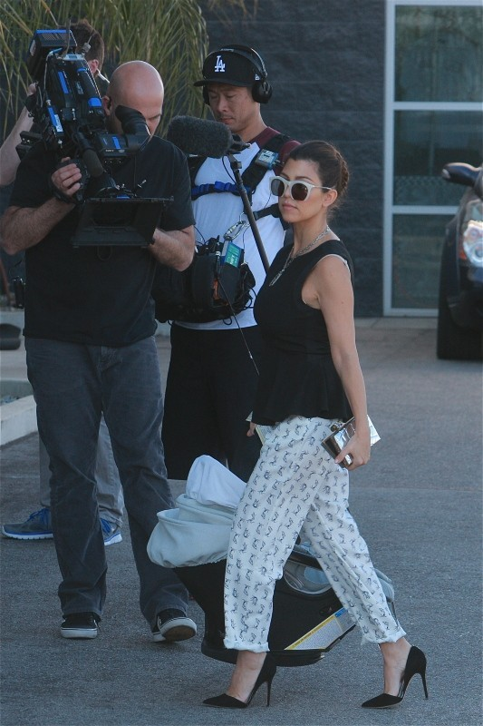 Kourtney Kardashian en tournage à Calabasas, le 26 février 2013.