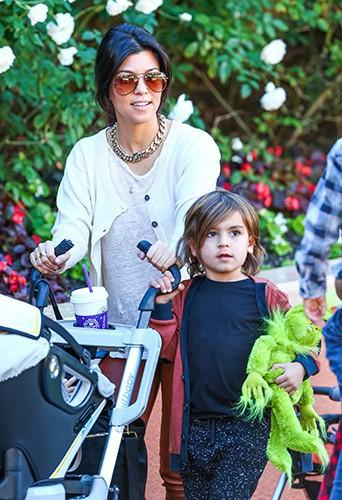 Kourtney Kardashian en famille à Los Angeles le 30 novembre 2013
